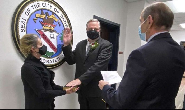Mayor Knickerbocker and Mayor Cavo Declare the Union of Bethel and Danbury CT