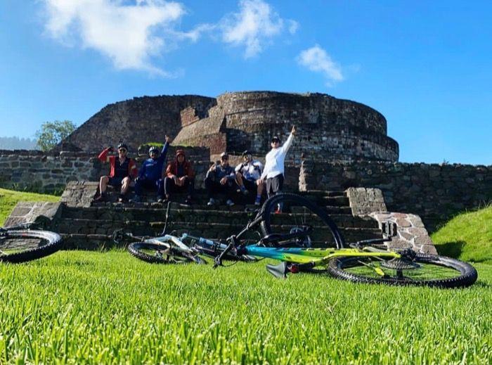 Grupo de ciclistas encontrados después de un mes