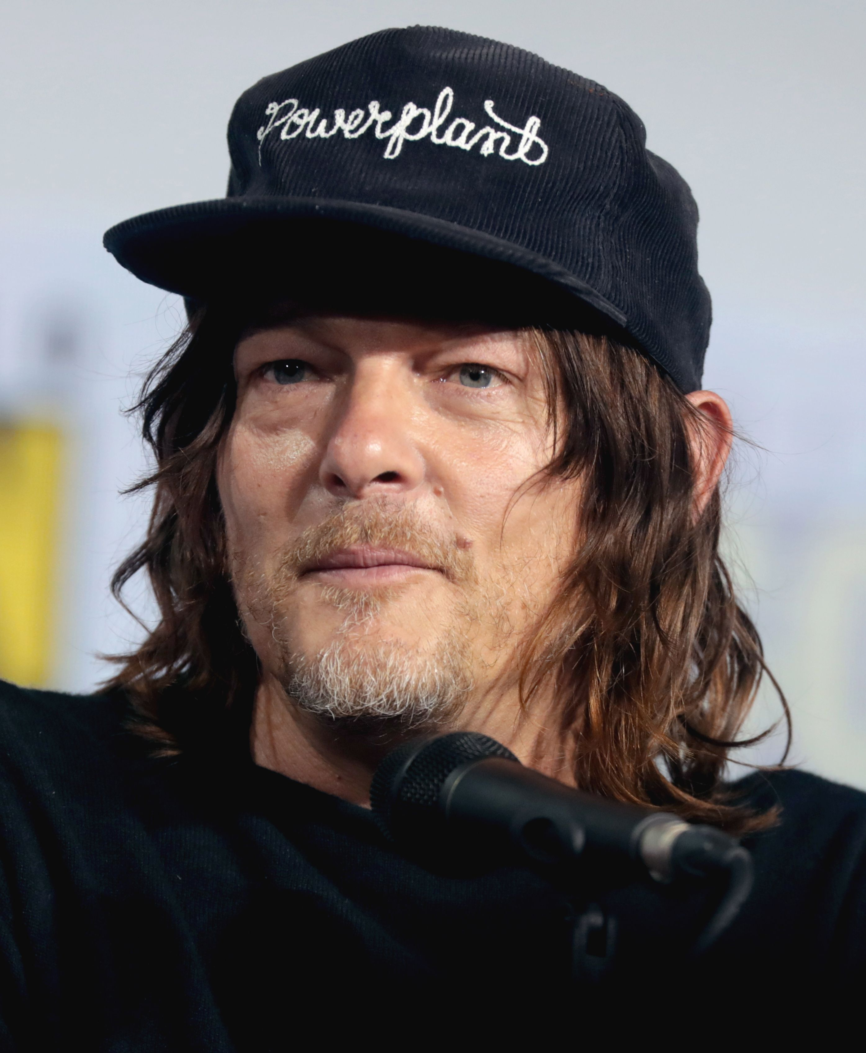 WALKING DEAD STAR NORMAN REEDUS IN CAR ACCIDENT